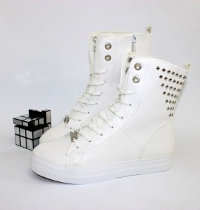 9-528-white