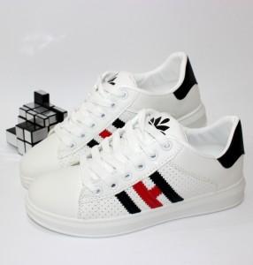 Стильні весняні кросівки - купити в інтернет магазині в Запоріжжі, Дніпрі, Харкові
