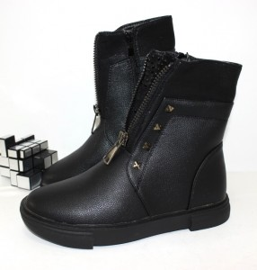 Купити черевики для дівчинки